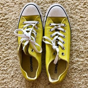 Yellow Men's Size 8 Converse Sneakers